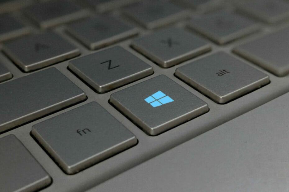 La tecla de Windows está a la izquierda de la barra espaciadora