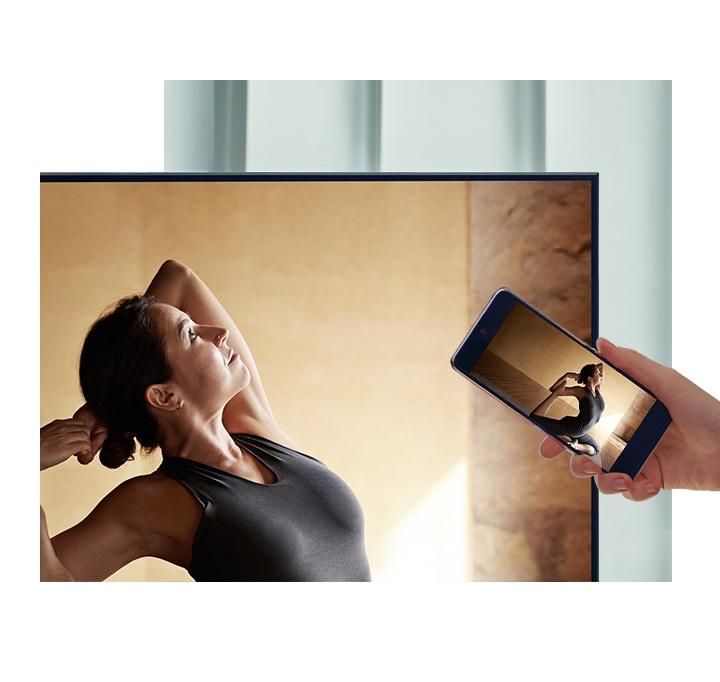 Tap view: cuando tocas la televisión Samsung con tu móvil, el contenido de éste se ve en la televisión