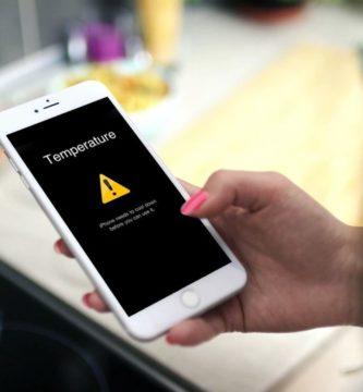 Notificación de temperatura en la pantalla de un móvil